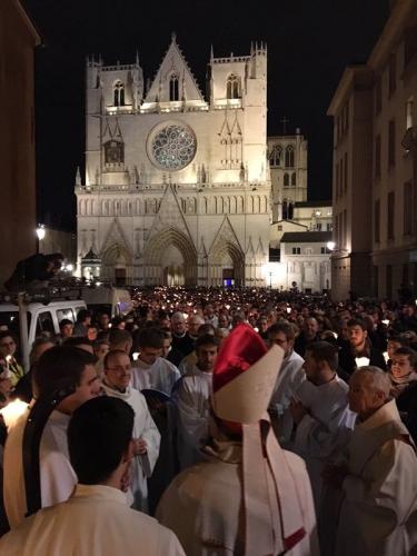 immaculée conception,8 décembre,jubilé de la miséricorde,pape françois,rome,place saint pierre,place d'espagne,catholicisme,miséricorde,procession,lyon