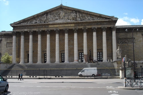 Palais_bourbon_paris.jpg