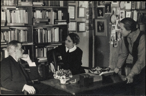 george whitman,shakespeare and co,stephane hessel,james joyce,sylvia beach,librairie,littérature,indignation,christopher lasch