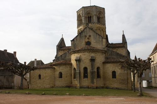 Paray le Monial,prieuré Saint Hugues,christianisme,sacré coeur,sainte Marguerite Marie Alacoque,Haurietis aquas in gaudio