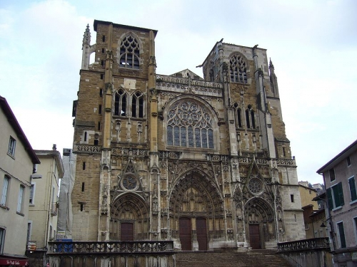 800px-Cathedrale.vienne38.01.jpeg
